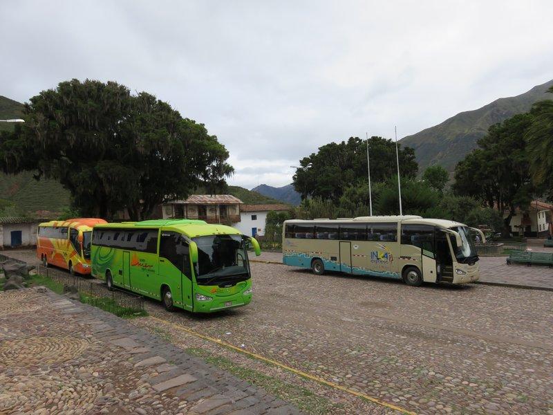 Turismo Mercano - bright green bus