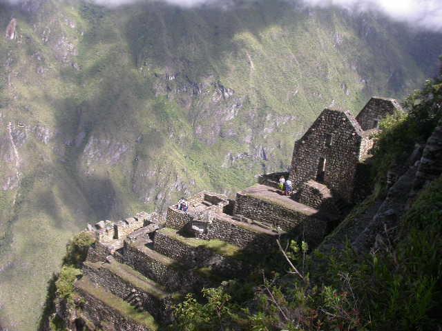 Machu_Pichu_wayna pichu housestairs