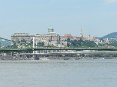 Josefbrücke, Elisabethbrücke, Burgpalast, Matthiaskirche mit Fischerbastei