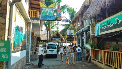 Playa-el-tunco.jpg