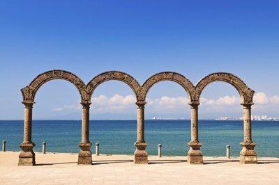 Puerto-Vallarta-los-arcos.jpg