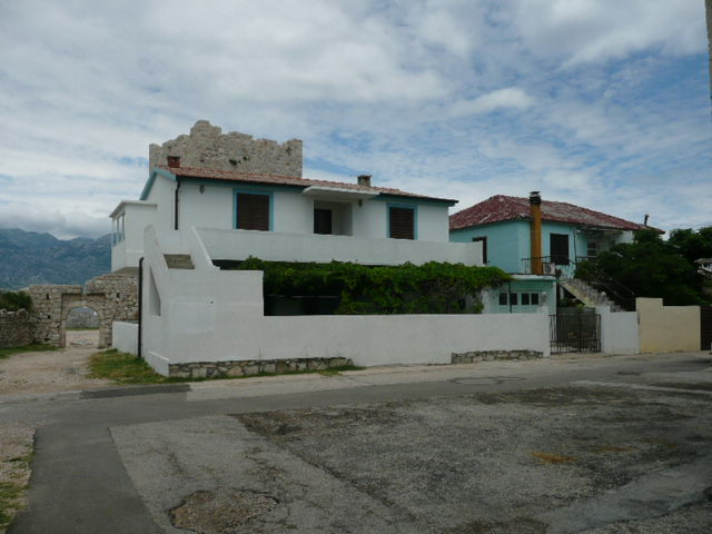 houses in Razonac