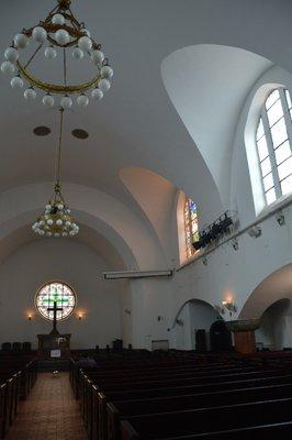 Der lutheranisch karge Innenraum der Kirche.