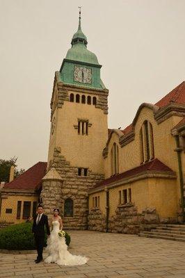 Die protestantische Kirche, von Curt Rothkegel entworfen und 1908 erbaut.