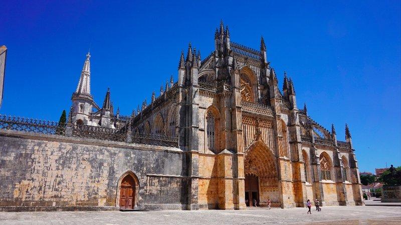 Day 27 - Wednesday 27th May - Alverangel to Tomar to Batalha to Obidos to Ericeira