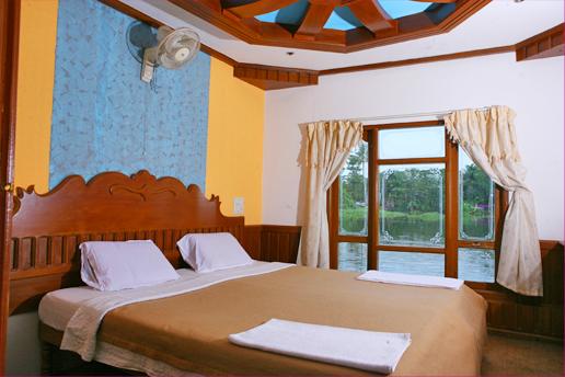 1 Bedroom Houseboats in Alleppey