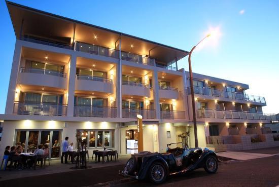 2014-12-01 - Crown Hotel - Napier