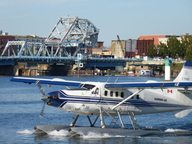 Floatplane Victoria Harbour