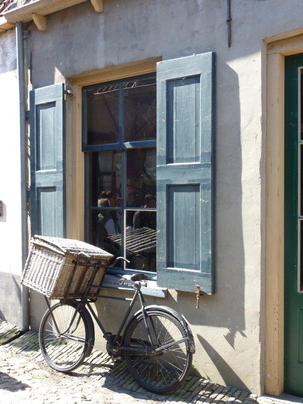 Old bike, Enkhuizen