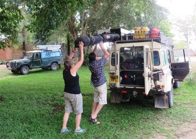 Packing the Oz tent on top of the landrover, Lake Malawi