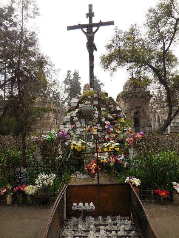 large_Santiago_Cemetery__2_.jpg