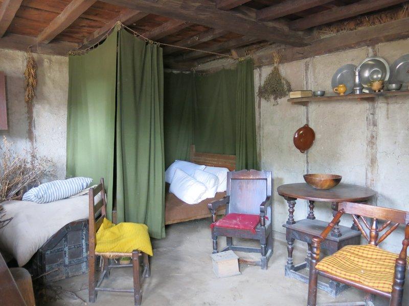 Pilgrim housing