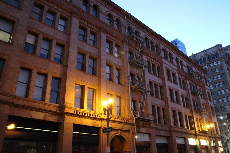 Bradbury building seen from the east side