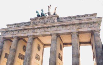 brandeburg.._berlin.jpg