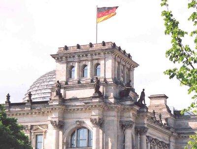 corner_of_reichstag.jpg