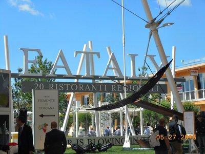 Milan_Expo_Eataly.jpg