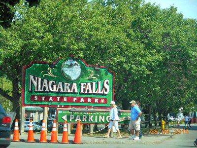 Niagara_Falls_sign.jpg