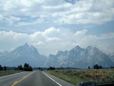 Teton_mtn_view_road.jpg