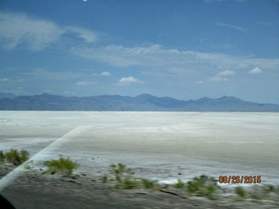 Utah_salt_flats2.jpg