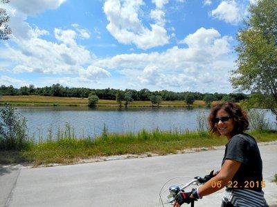 bike_danube_clouds_a.jpg