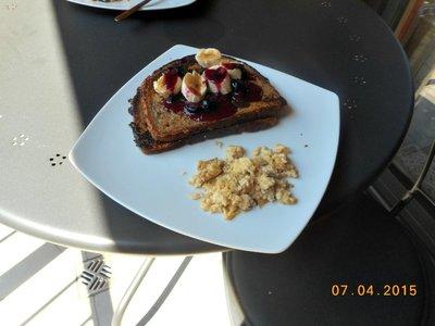 krakow_apt_breakfast.jpg