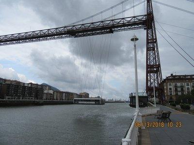 The gondola crossing the river 3