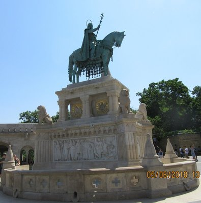 Statue in tribute to King Saint Stephen