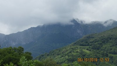 Clouds gathering on the mountain top