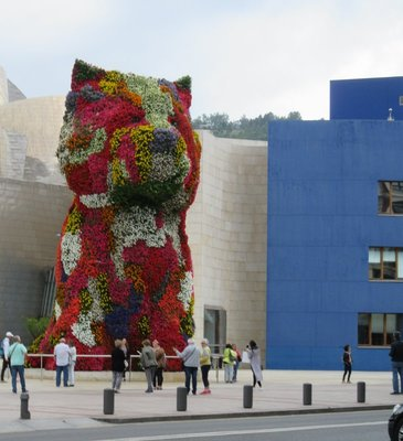 The floral puppy at the entrance