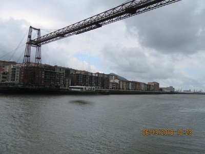 The gondola crossing the river