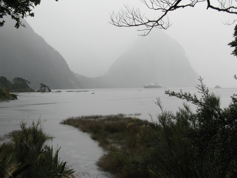 A cloudy, foggy and rainy day at Milford Sound