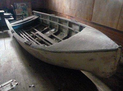 Boat_in_shed.jpg