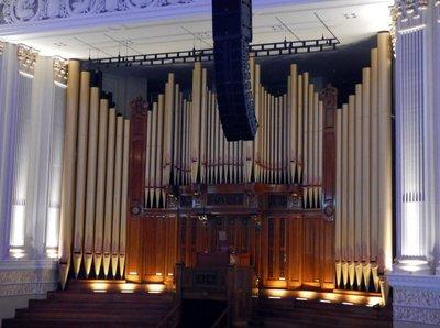 City_Hall_organ.jpg