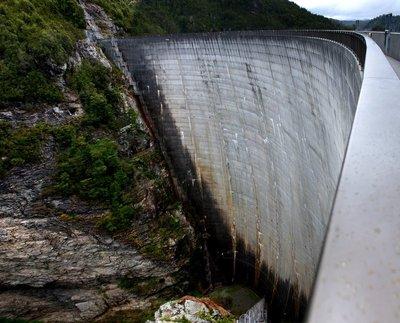 Gordon_Dam1.jpg