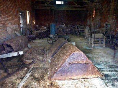 Old_Barn_inside.jpg