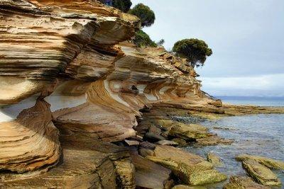 Painted_Cliffs_sunshine.jpg