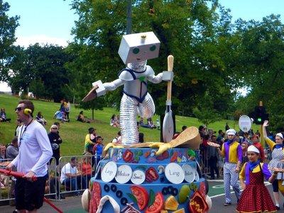 Parade_robot.jpg