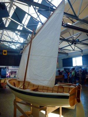 Wooden_boat1.jpg