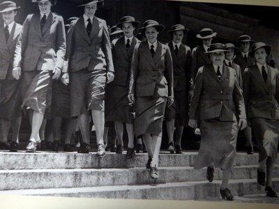 city_Hall_Army_women.jpg