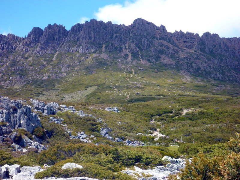 large_Cradle_Mountain_bottom.jpg