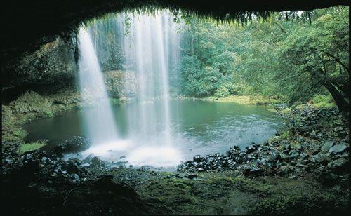Marom Falls under