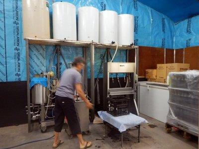 preparing_to_bottle.jpg