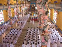 Tay Ninh - Midday Caodism worshippers