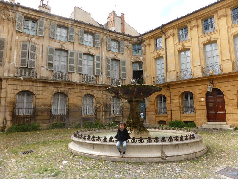 large_Aix_en_Provence_1.jpg