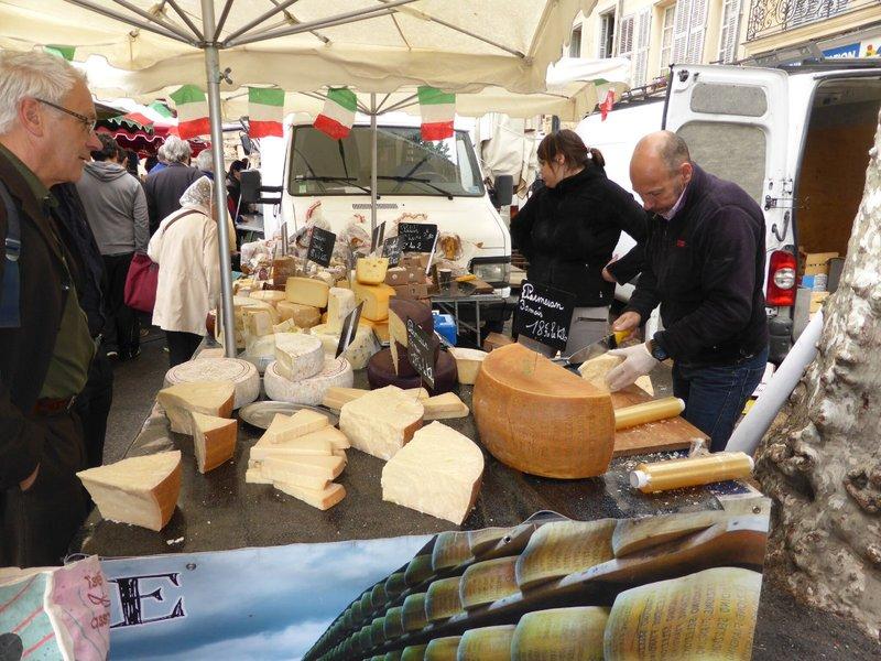 large_Aix_en_Provence_market_6.jpg