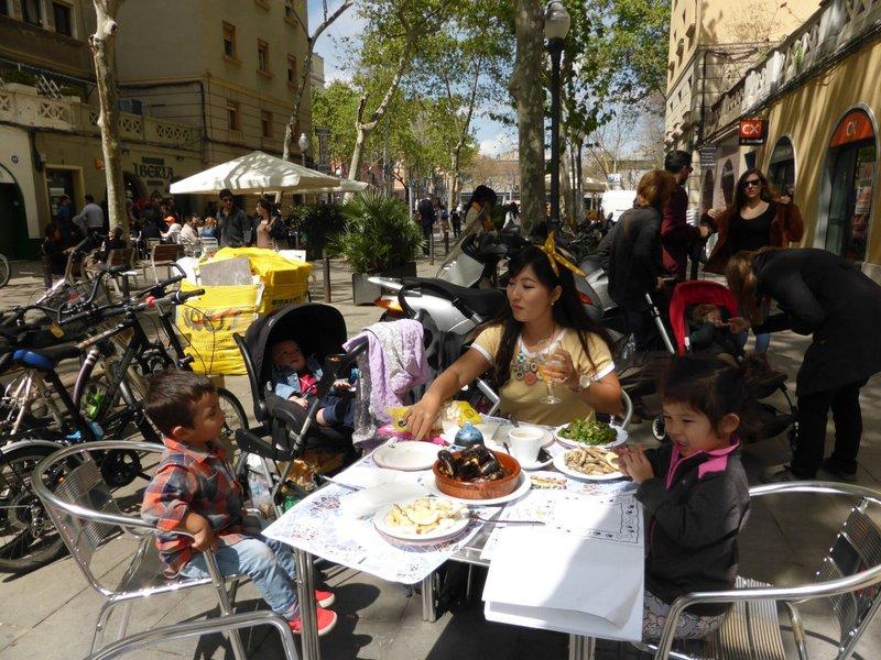 large_Barceloneta_lunch.jpg