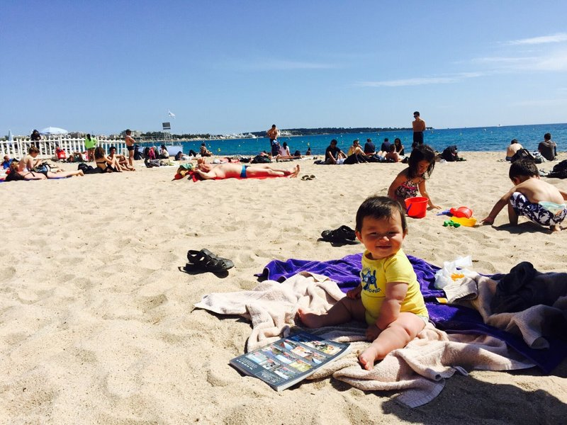 large_Cannes_beach_2.jpg