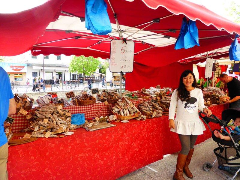 large_L_Isle_sur..ue_market_2.jpg