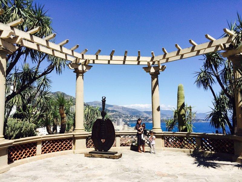 large_Monaco_Jardin_Exotique_2.jpg