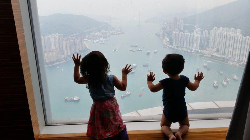 large_hk_view_3.jpg